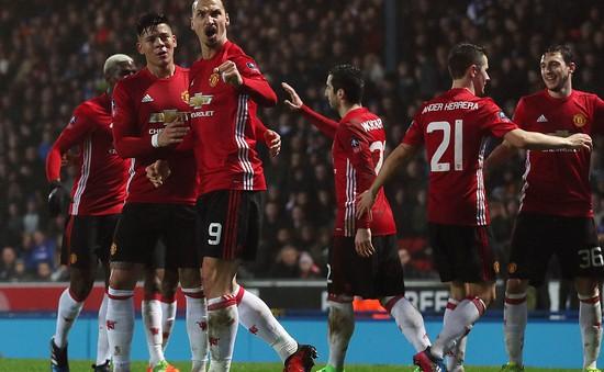 """Hết muốn làm """"thánh"""" tại Man Utd, Ibra lại ví mình như sư tử"""