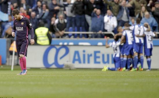 """Barcelona """"làm nên lịch sử"""" bằng trận thua cực sốc sau gần 1 thập kỷ trước Deportivo"""