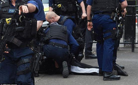 Anh báo động đỏ sau hàng loạt vụ bắt giữ nghi phạm khủng bố