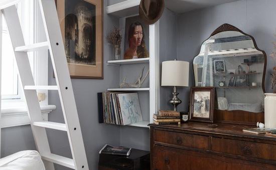 Chỉ 17 m2 và ngập tràn đồ cũ, căn hộ này vẫn là nơi đáng sống