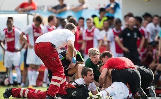 Tiền vệ Ajax tổn thương não nghiêm trọng, di chứng suốt đời