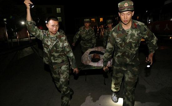 Những hình ảnh kinh hoàng sau động đất tại Trung Quốc