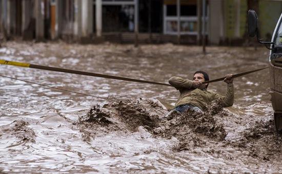 Peru: Thoát chết thần kỳ sau khi bị lũ bùn cuốn