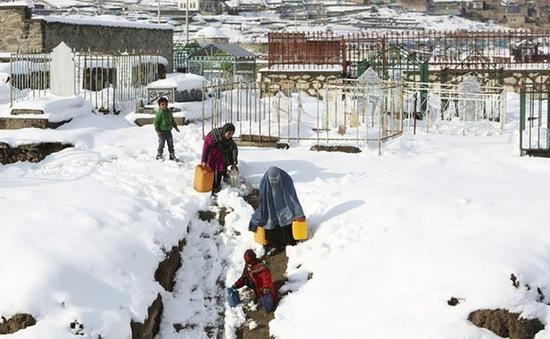 Hơn 130 người chết do lở tuyết ở Afghanistan