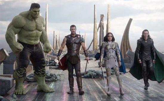 """""""Thor: Ragnarok"""" thống lĩnh các rạp chiếu trên toàn thế giới"""