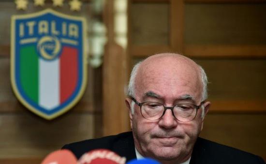 Chủ tịch Liên đoàn bóng đá Italia từ chức
