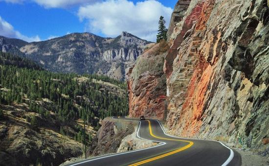 Rùng mình trước những con đường lái xe nguy hiểm nhất thế giới