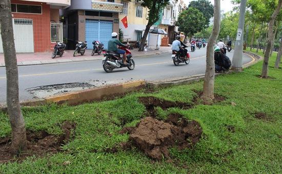 TP.HCM: Vụ nổ trên đường là do khí metan