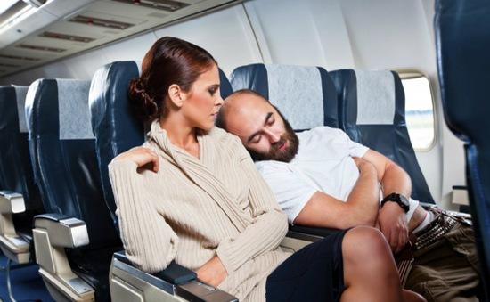 """Những kiểu người ai cũng """"hết hồn"""" trên mỗi chuyến bay"""