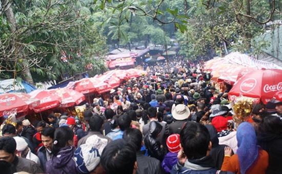 Chưa vào hội, du khách đã nườm nượp trẩy hội chùa Hương
