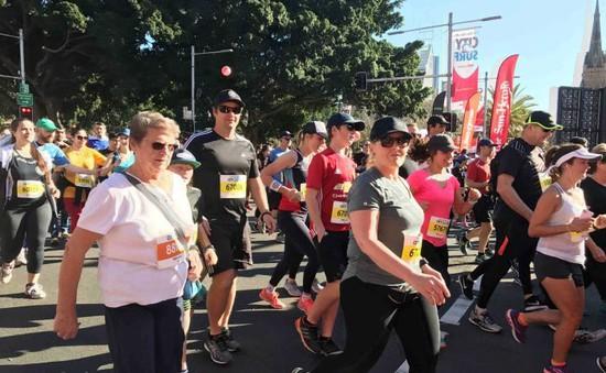 Hơn 80.000 người chạy từ thiện ở Australia
