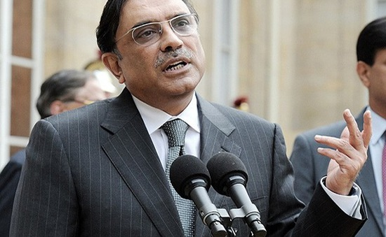 Cựu Tổng thống Pakistan Zardari trắng án tham nhũng