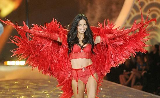 Adriana Lima muốn là thiên thần của Victoria's Secret cho đến năm 40 tuổi