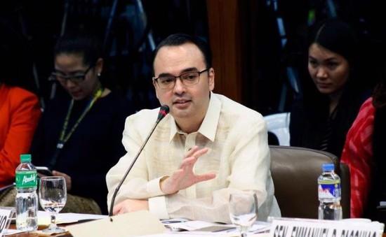 Ngoại trưởng Philippines trấn an về cảnh báo chiến tranh ở Biển Đông