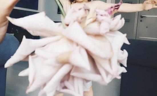 Đáng yêu những bộ váy làm từ hoa quả và rau củ