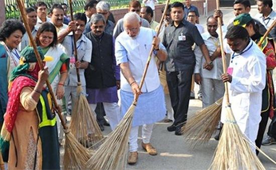 Làm sạch Ấn Độ từ việc nâng cao nhận thức người dân