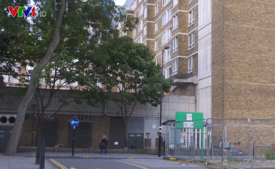 An toàn cháy nổ chung cư cũ ở Anh chưa được quan tâm thích đáng