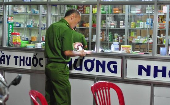 """Nghi án xin tiền """"đểu"""", dùng dao đâm chết chủ quầy thuốc tây ở Đồng Nai"""