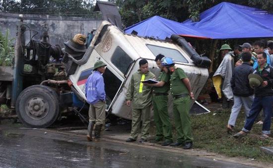 Nghệ An: Khởi tố 2 tài xế gây tai nạn làm 6 người tử vong