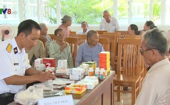 Khám bệnh miễn phí cho gia đình chính sách tại Phú Yên