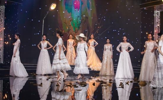 Thí sinh Vietnam's Next Top Model diện váy cưới trong màn trình diễn đặc biệt