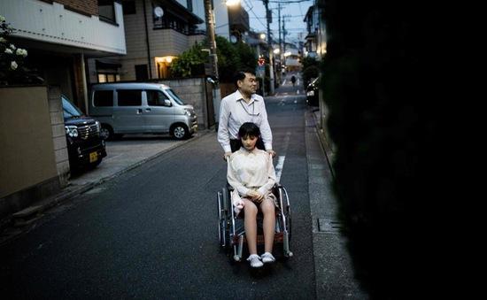 Nhiều đàn ông Nhật Bản bỏ người thật để yêu... búp bê