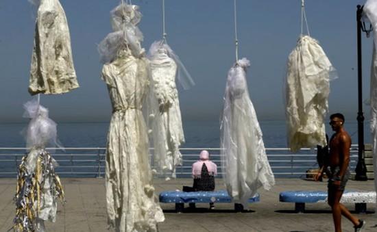 Lebanon dỡ bỏ đạo luật cho phép tội phạm cưỡng hiếp cưới nạn nhân