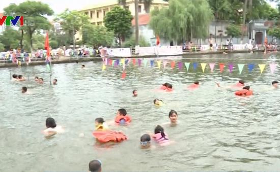 Hà Nội: Cải tạo ao bơi, dạy bơi miễn phí cho trẻ em