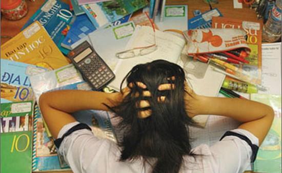 Áp lực thi cử ảnh hưởng đến sức khỏe tâm thần thí sinh