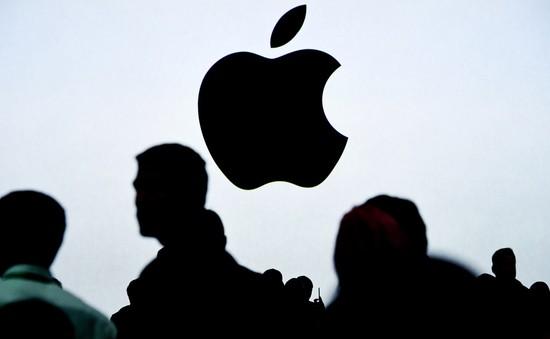 """Chính phủ Mỹ """"sờ gáy"""" Apple vì làm chậm iPhone cũ"""