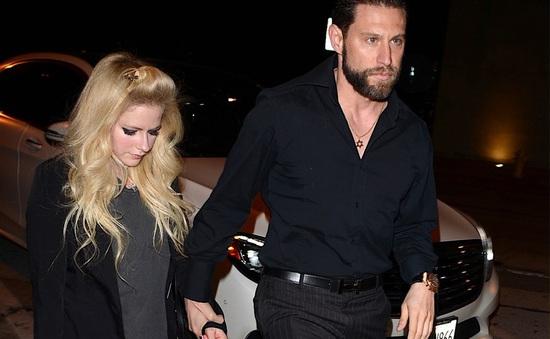 Avril Lavigne công khai bạn trai mới?