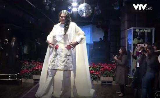 Buổi trình diễn thời trang của các nạn nhân bị tạt axit tại Ấn Độ