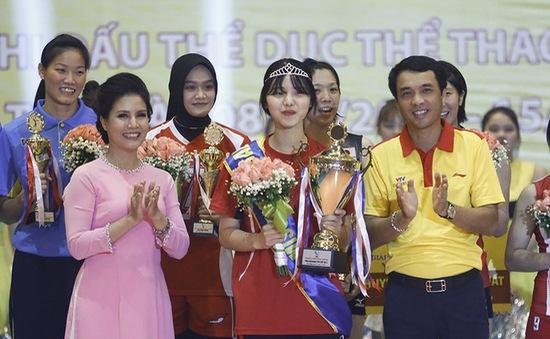 VIDEO: Hoa khôi bóng chuyền Lee Yun Jung và những hình ảnh không thể quên tại VTV Cup Tôn Hoa Sen 2017