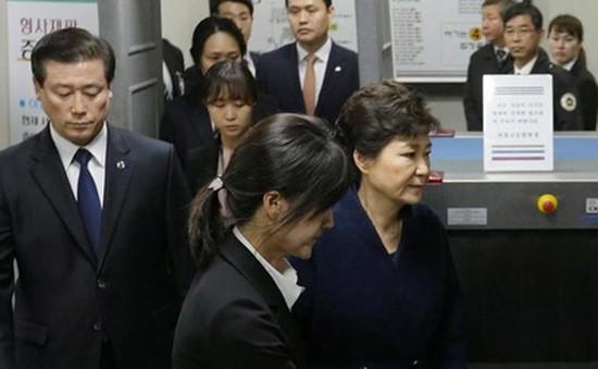 Hàn Quốc xét xử sơ thẩm bà Park Geun-hye
