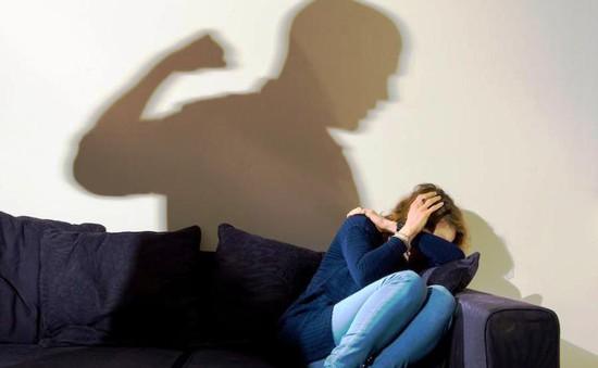 Thiếu chính sách hỗ trợ phụ nữ bị bạo hành sau ly hôn