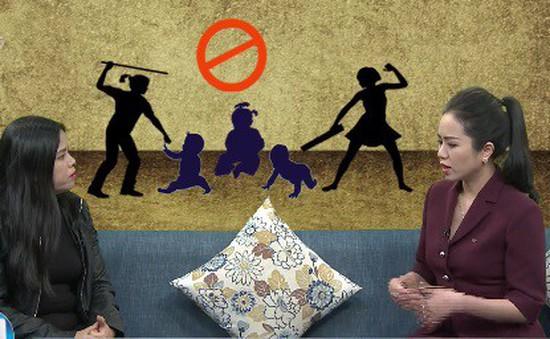 Trẻ bị bạo hành cần được đối xử bình thường