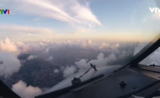 Đất – trời tuyệt đẹp từ buồng lái máy bay