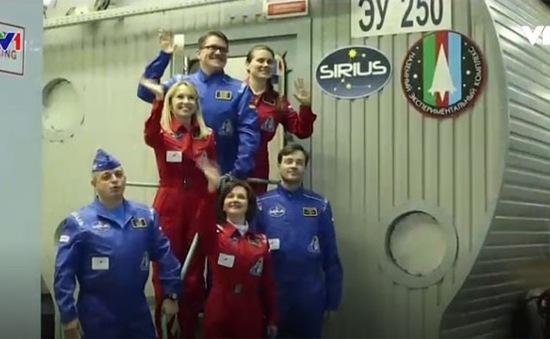 Thử nghiệm cuộc sống trong chuyến bay mô phỏng lên Mặt trăng