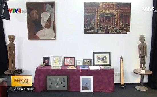 Trưng bày tranh của các họa sĩ Việt Nam tại CHLB Đức