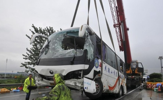 Tai nạn đâm xe ở Trung Quốc, 10 người thiệt mạng
