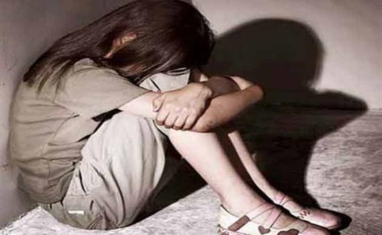 Ấn Độ: Xôn xao vụ việc bé gái 10 tuổi sinh con