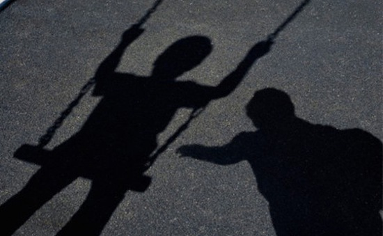 Australia cấm tội phạm ấu dâm du lịch ra nước ngoài