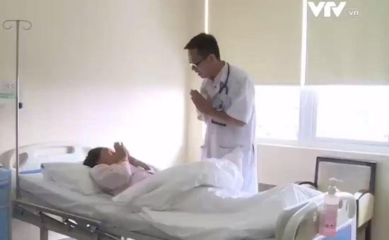 Bệnh nhân Lào tại Bệnh viện Trung ương Huế tăng đột biến