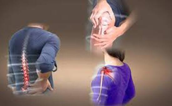 Phòng tránh, điều trị hiệu quả bệnh lý xương khớp khi giao mùa
