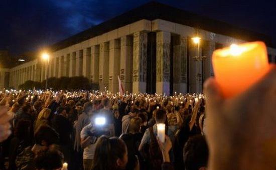 Biểu tình lớn phản đối cải cách hệ thống tư pháp ở Ba Lan