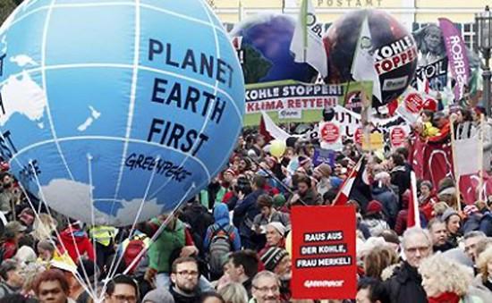 Giới trẻ Đức biểu tình yêu cầu hành động tại hội nghị COP23