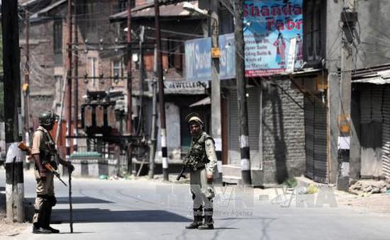 Ấn Độ áp đặt lệnh giới nghiêm tại khu vực Kashmir