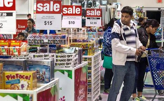Doanh số bán lẻ dịp nghỉ lễ của Mỹ đạt mức cao nhất trong 6 năm