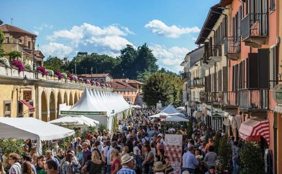 Độc đáo lễ hội phomat tại Italy