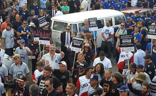 Brazil: Biểu tình phản đối cải cách lao động